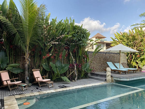 Coliving villa with pool and sun beds for digital nomads in Bali