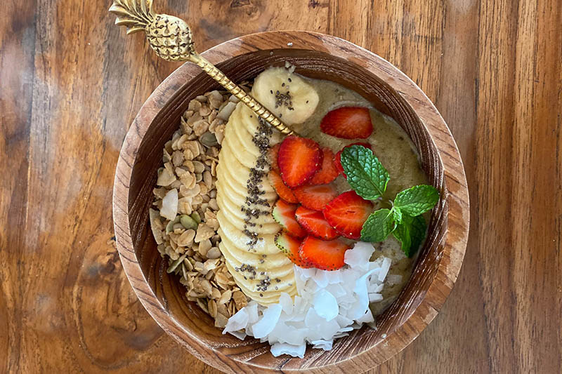 Food in Bali is amazing – smoothie bowls are just so fresh